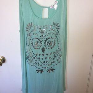 Sleeveless turquoise top with owl print